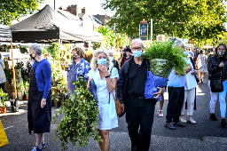 Seven Thousand Attend Chiswick Flower Market Say Organisers